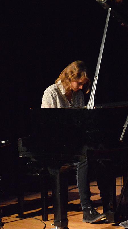 Pianoles Utrecht Eva Dekker pianoles bij deMuziekFabriek