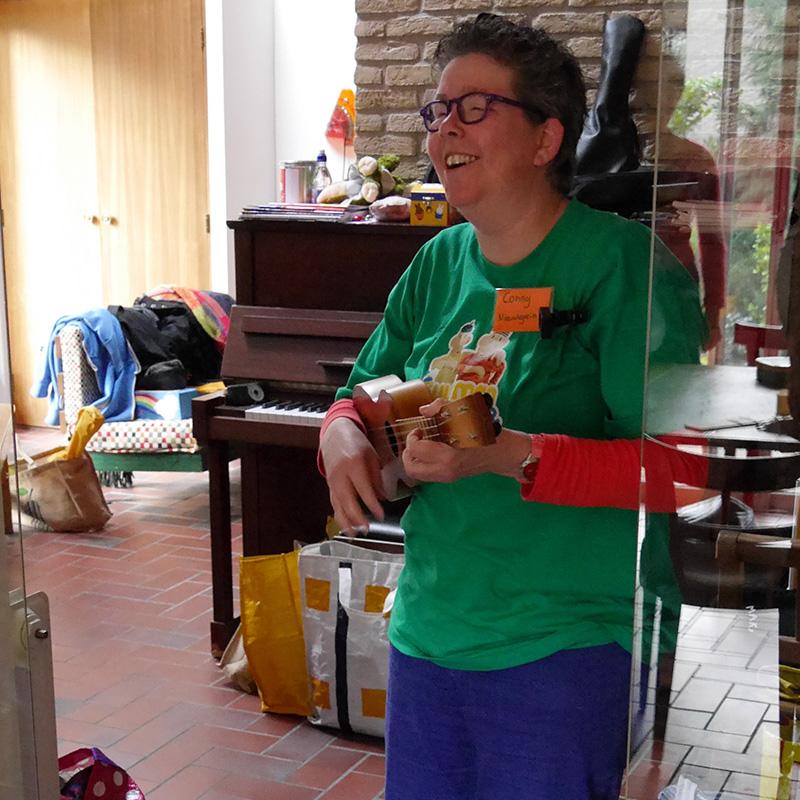 Conny de Vries ukelele kinderen Utrecht deMuziekFabriek